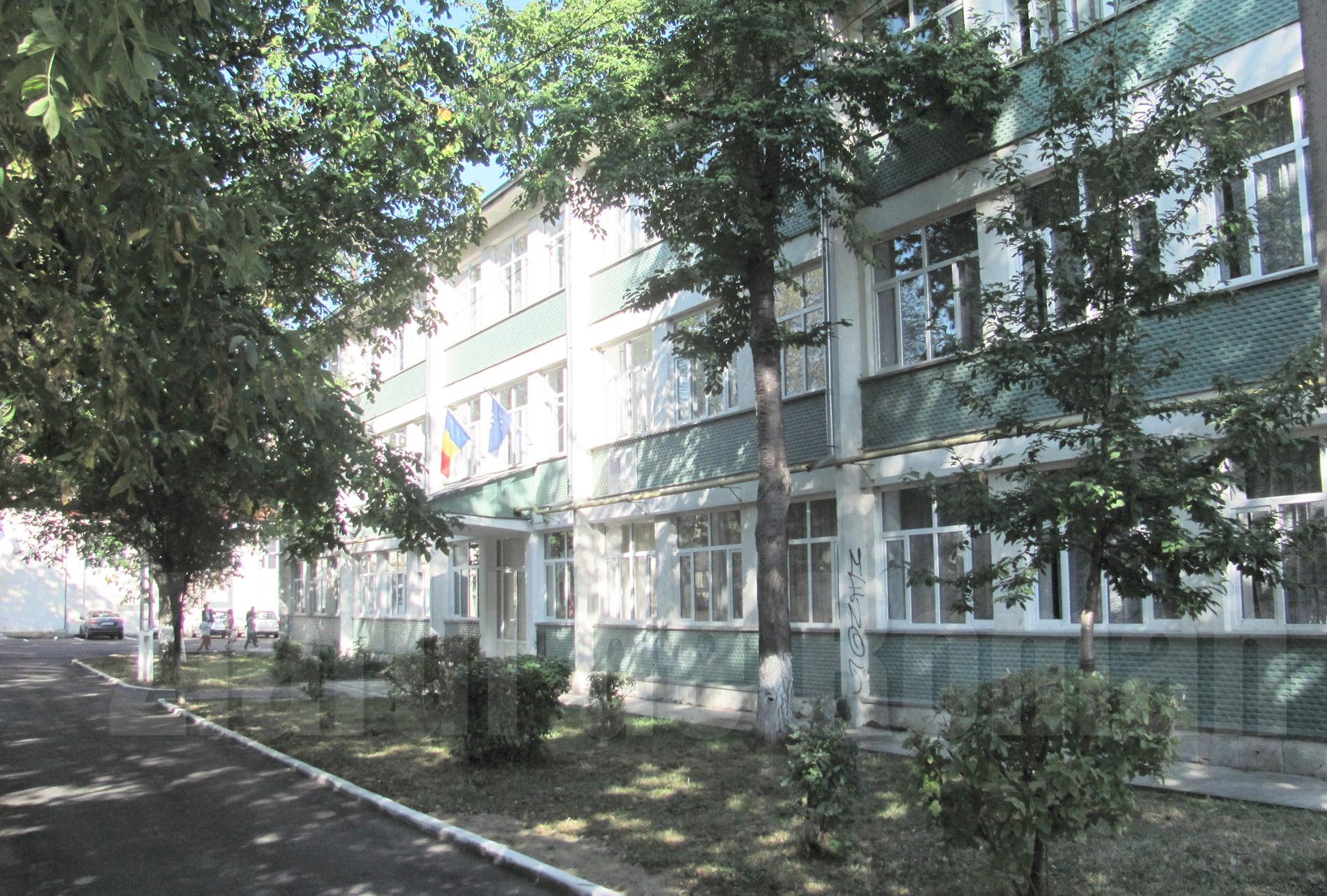 """Elevi romașcani, premiați la Concursul Internațional de Interpretare Muzicală """"Emanuel Elenescu"""""""