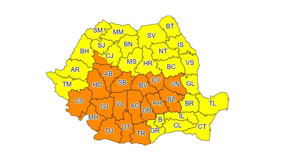 Avertizare meteo de precipitații abundente pentru întreaga țară, prelungită până marți seară