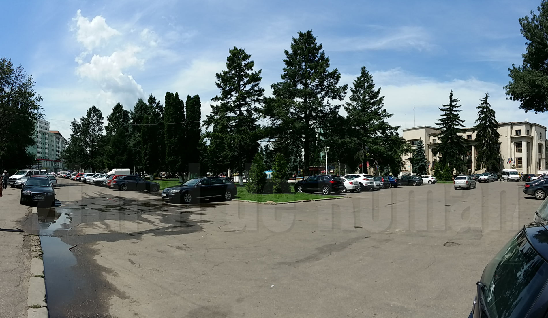 """Încep lucrările de modernizare a parcării de la """"Roman-Vodă"""""""