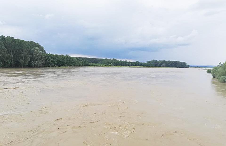 Hidrologii anunță deversări din lacurile de acumulare din bazinul hidrografic Siret