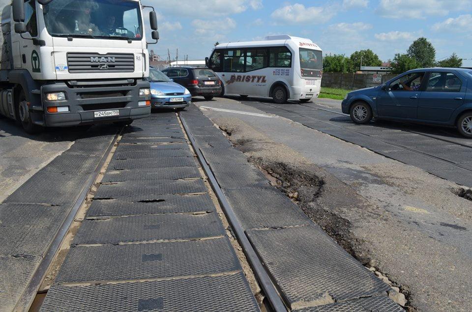 Soluții pentru reabilitarea trecerii la nivel cu calea ferată la ieșirea din Roman spre Iași