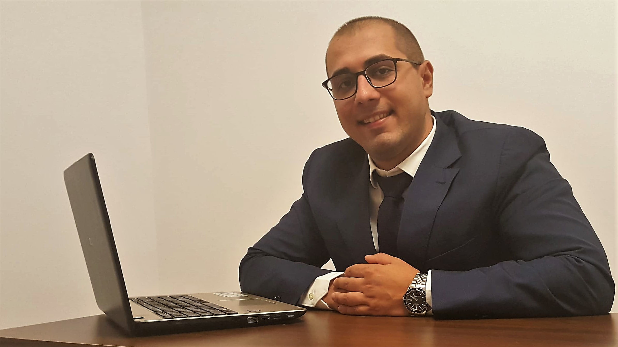 Un romașcan, unul dintre cei mai tineri secretari ai unei localități din țară