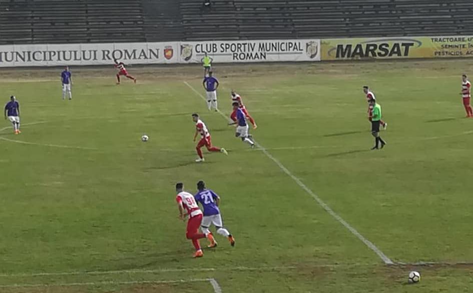Înfrângere severă pentru fotbaliștii CSM Roman, pe teren propriu