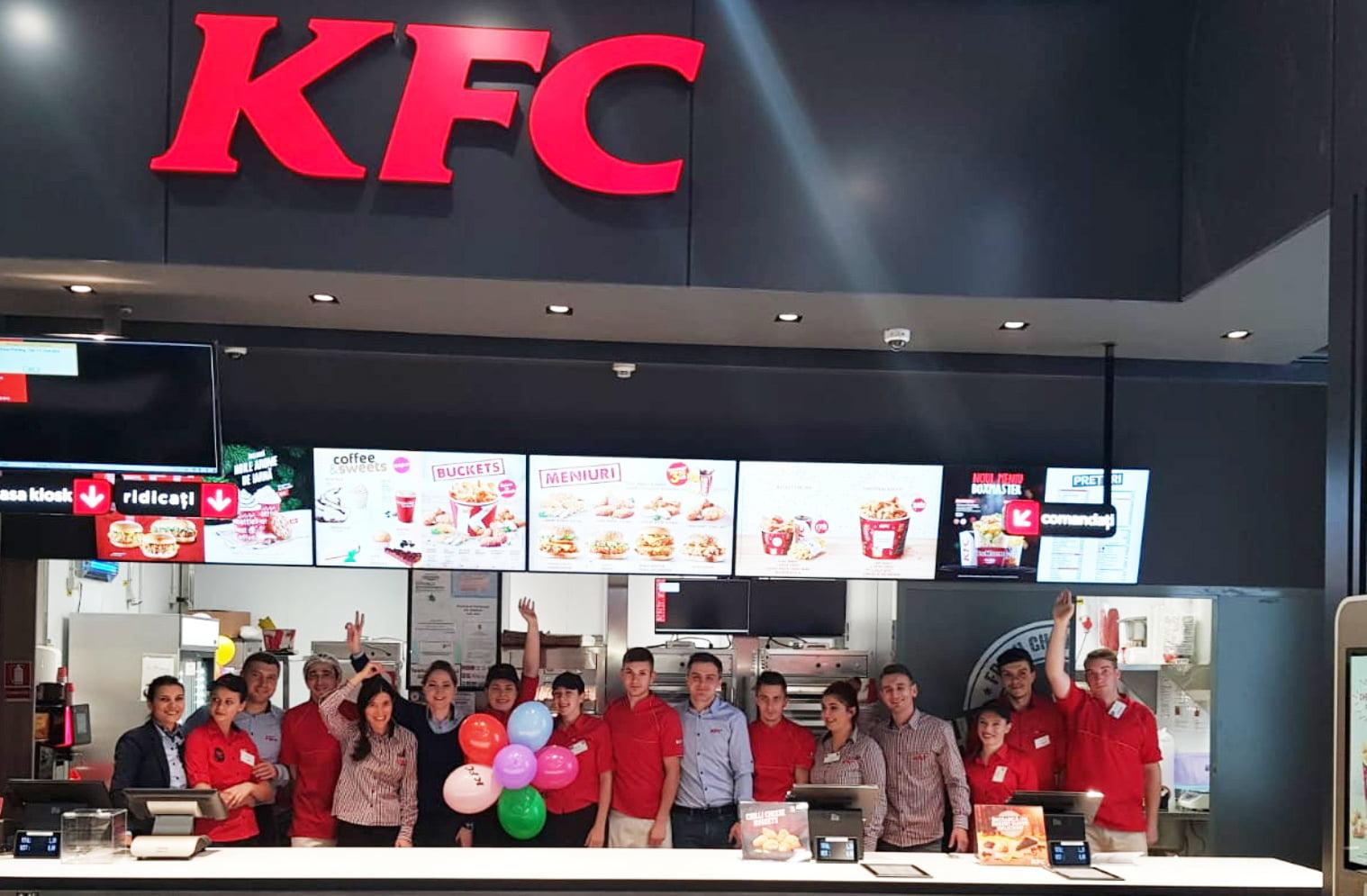 S-a deschis primul restaurant KFC din Roman, cu o investiție de 400.000 de euro