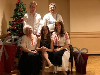 Familia Pădurariu: Rareș, Cristi, Georgeta, Ana și Aida