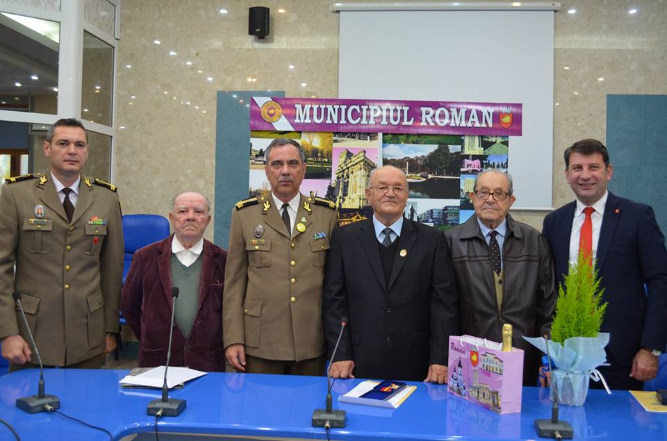 Veterani de război romașcani, decorați prin ordin al șefului Statului Major al Apărării