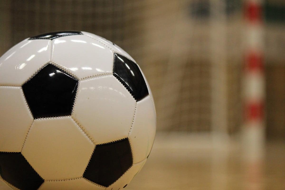 """Înscrieri la Turneul de fotbal pentru juniori """"Kinder Cup"""" – Cupa Moș Crăciun"""