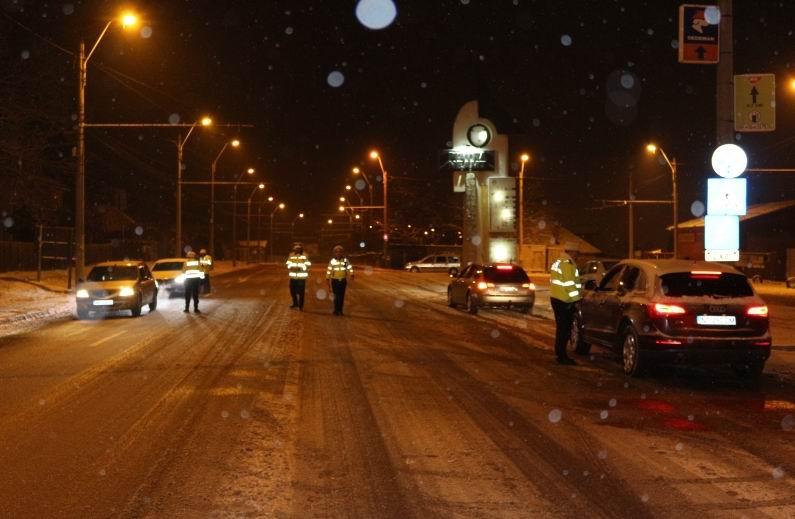 500 de șoferi au fost sancționați, iar 54 au rămas fără permis, săptămâna trecută. FOTO