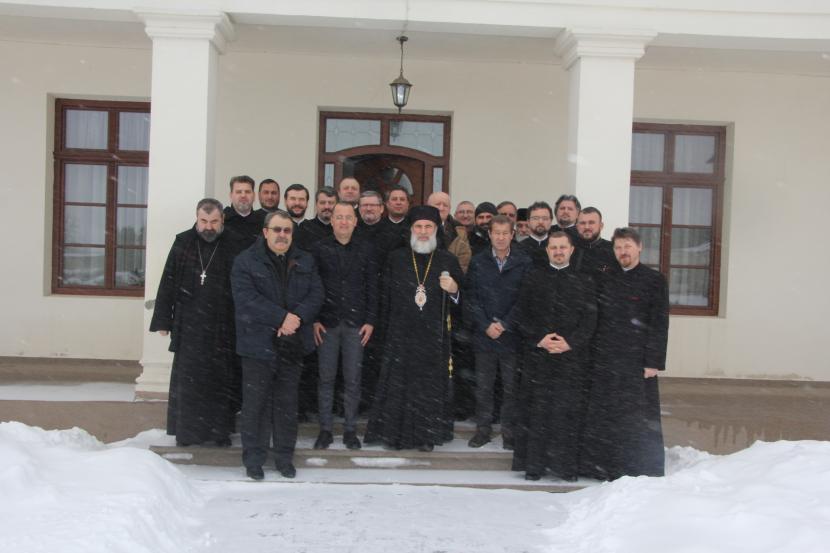 Întâlnirea Consiliului Eparhial al Arhiepiscopiei Romanului și Bacăului