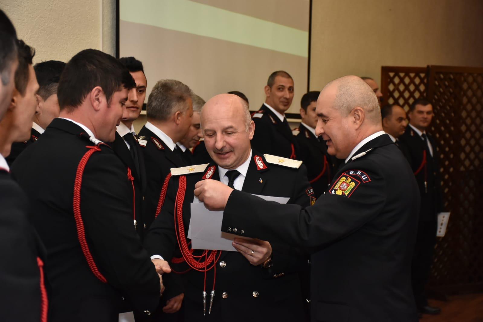 Distincții pentru pompierii nemțeni, cu ocazia ședinței de bilanț de la ISU Neamț