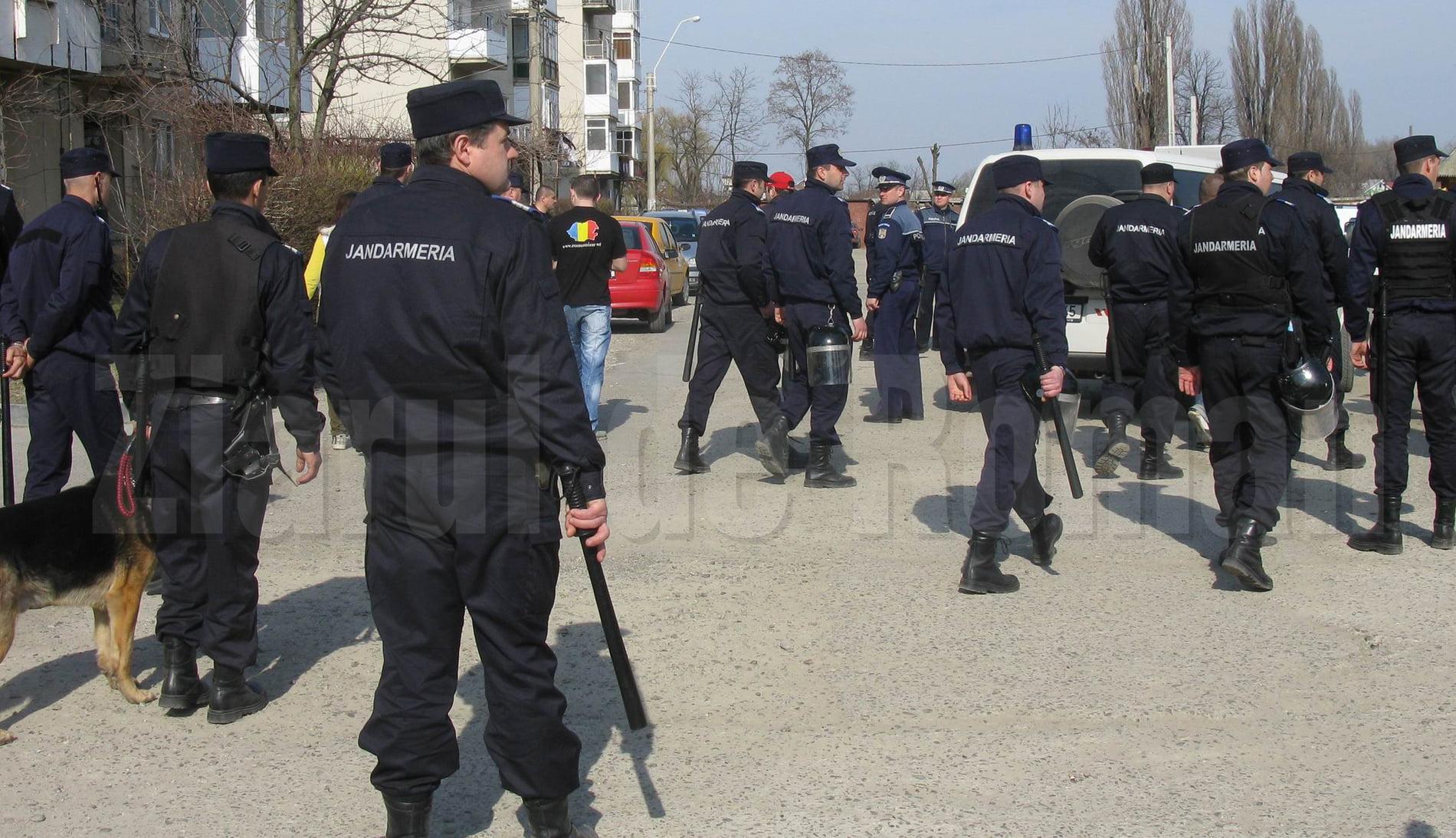 Autoritățile cer înființarea unui detașament de jandarmi la Roman, pentru a combate infracționalitatea