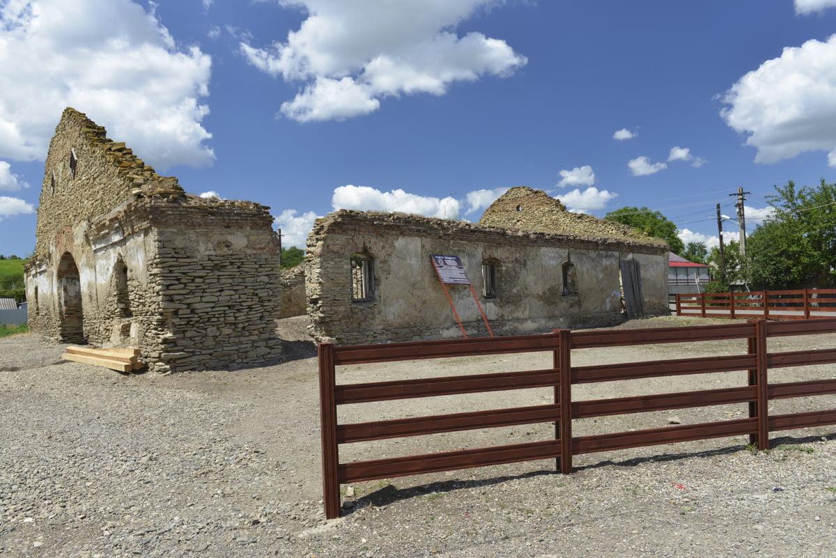 Hanul de la Șerbești va fi reabilitat cu fonduri europene