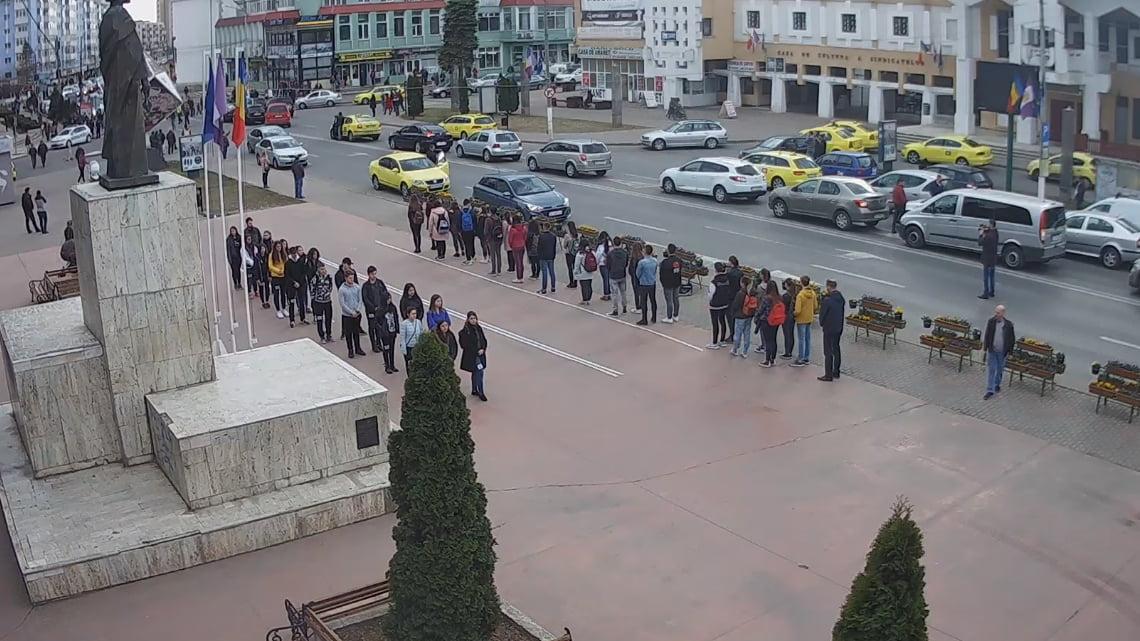 Centrul Romanului, blocat 15 minute pentru campania #șîeu de susținere a autostrăzilor
