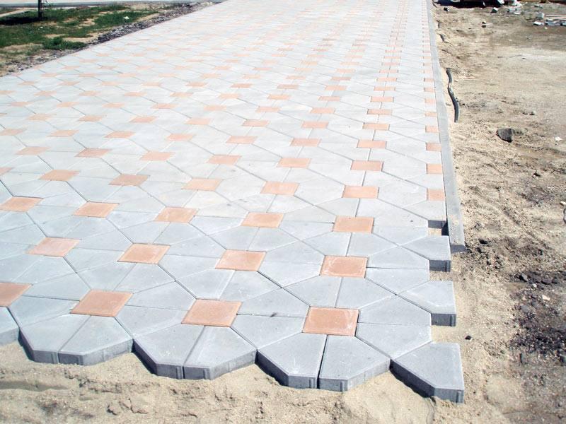 După trotuarele de pe Primăverii și Sucedava, se modernizează cele din zona Parcului