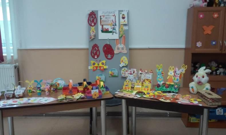 "Expoziție de obiecte decorative pascale la Fundația ""Episcop Melchisedec"" Roman"