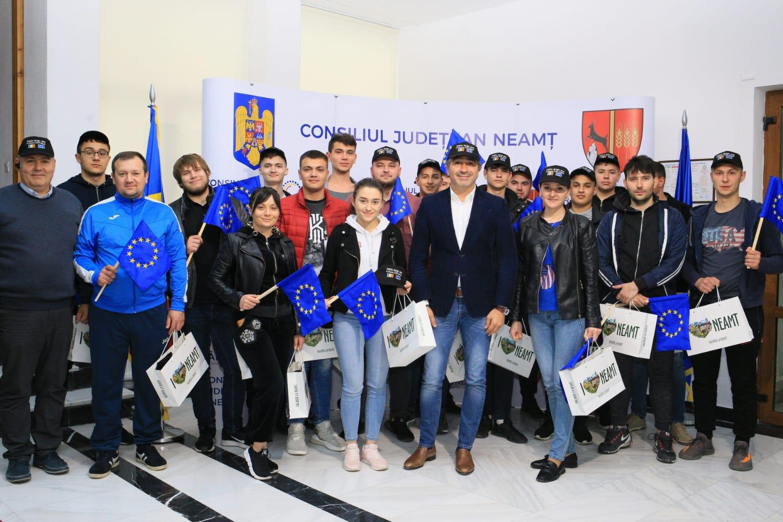 Elevi basarabeni în vizită la Consiliul Județean Neamț