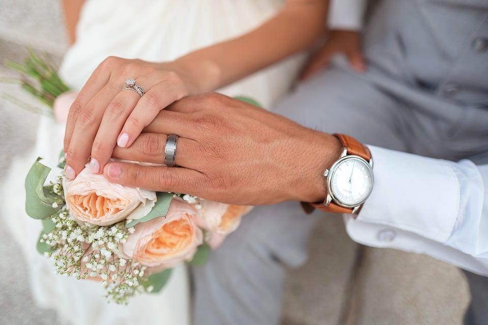 Cum se poate calcula bugetul unei nunți cu ajutorul unei platforme online