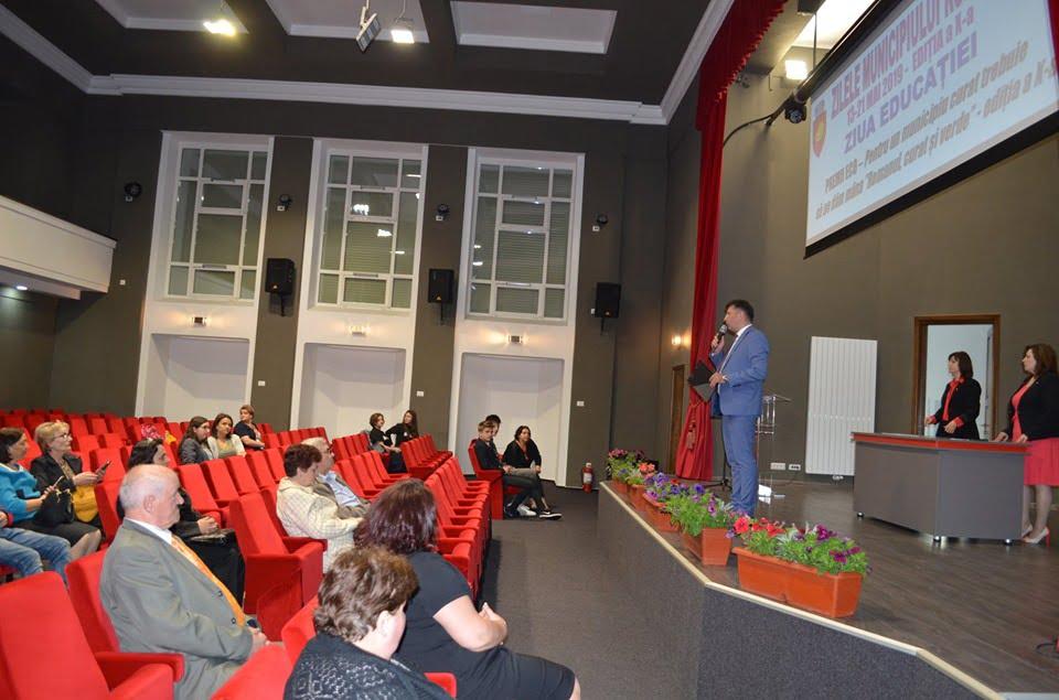 """Au fost premiați câștigătorii concursului de curățenie """"Romanul, curat și verde"""""""
