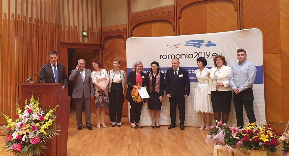 """Colegiul Național """"Roman-Vodă"""" a primit marți titlul de """"Școală Europeană"""""""