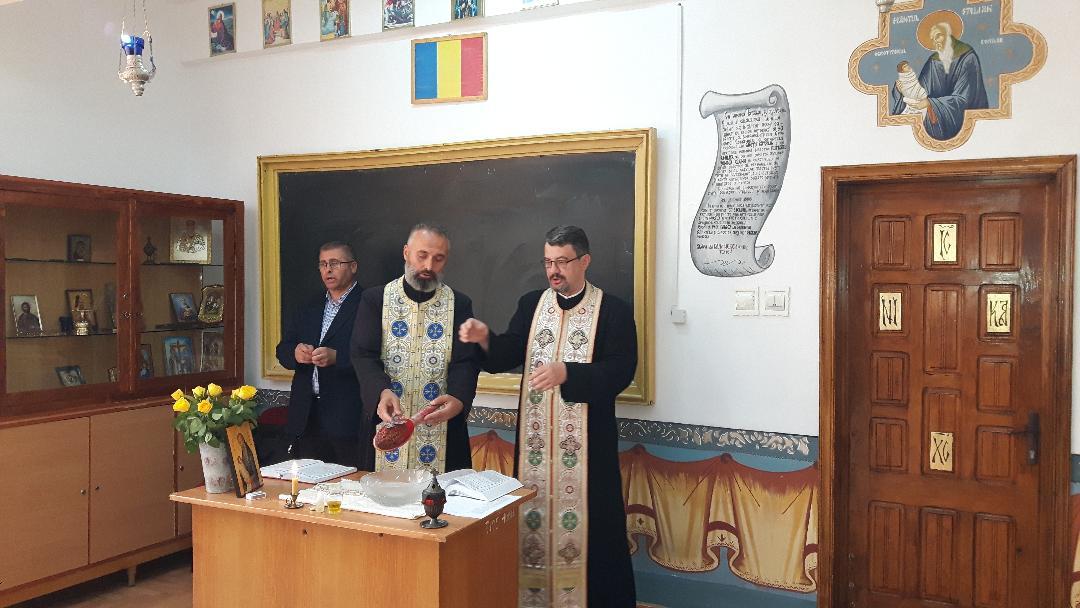 """Cabinetul de religie """"Sf. Stelian"""" de la Colegiul Tehnic """"Petru Poni"""" a fost resfințit"""