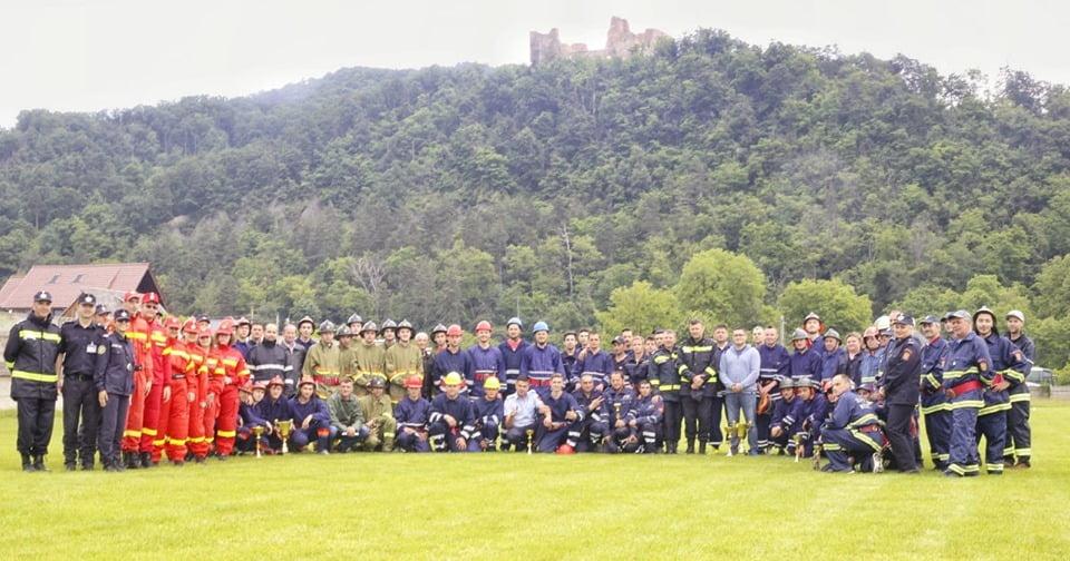 Salvatorii de la Cersanit și din Săbăoani, pe primul loc la concursul serviciilor pentru situații de urgență