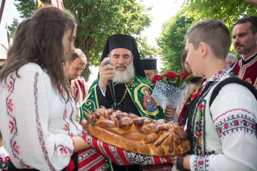 [VIDEO] Sfințirea așezământului cultural-catehetic, la împlinirea a 500 de ani de atestare a bisericii din Văleni