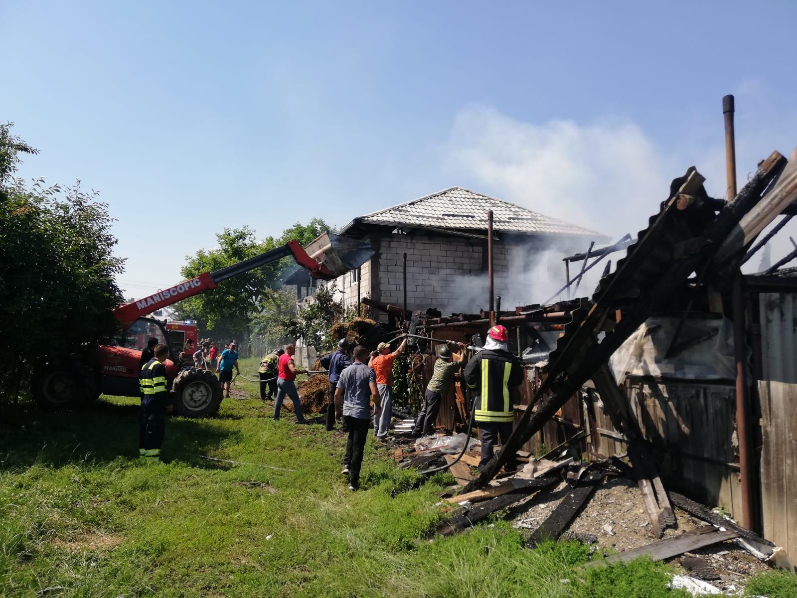 Incendiu la o gospodărie din Moldoveni