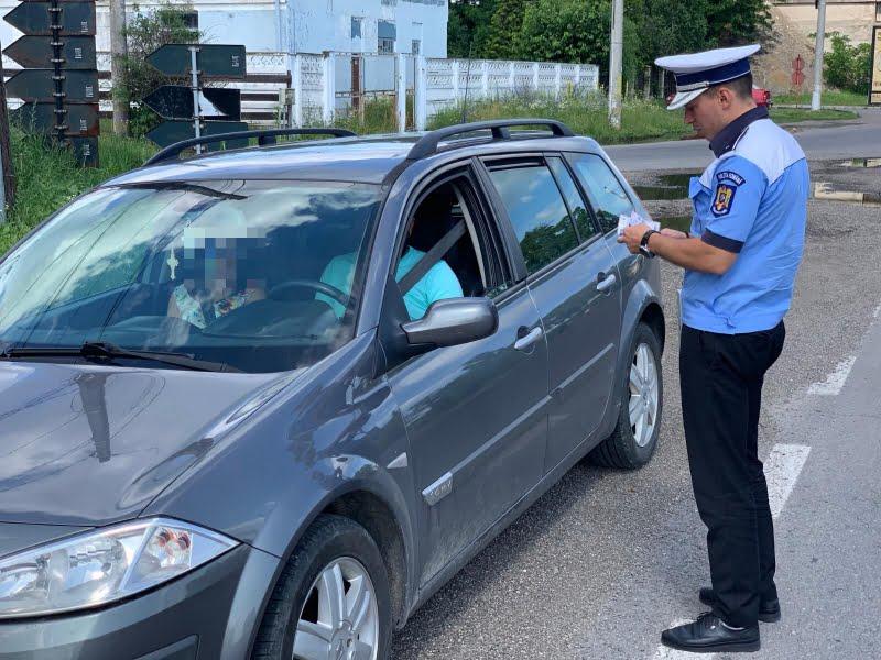 Peste 300 de șoferi sancționați pentru depășirea vitezei legale
