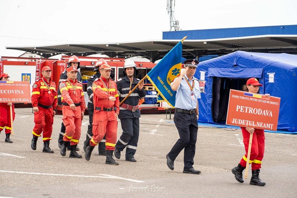 Militari din cadrul ISU Neamț, la competiția de descarcerare și prim ajutor