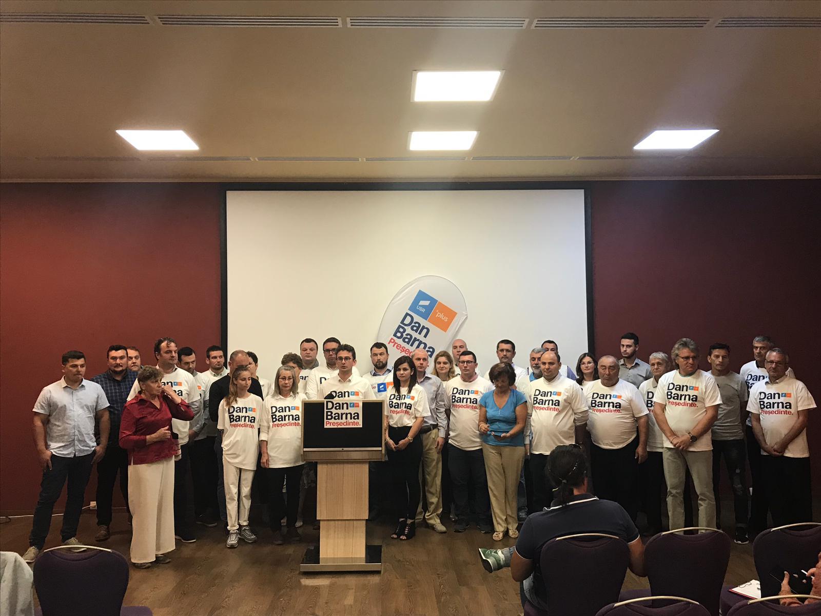 Alianța USR PLUS a început strângerea de semnături în județul Neamț