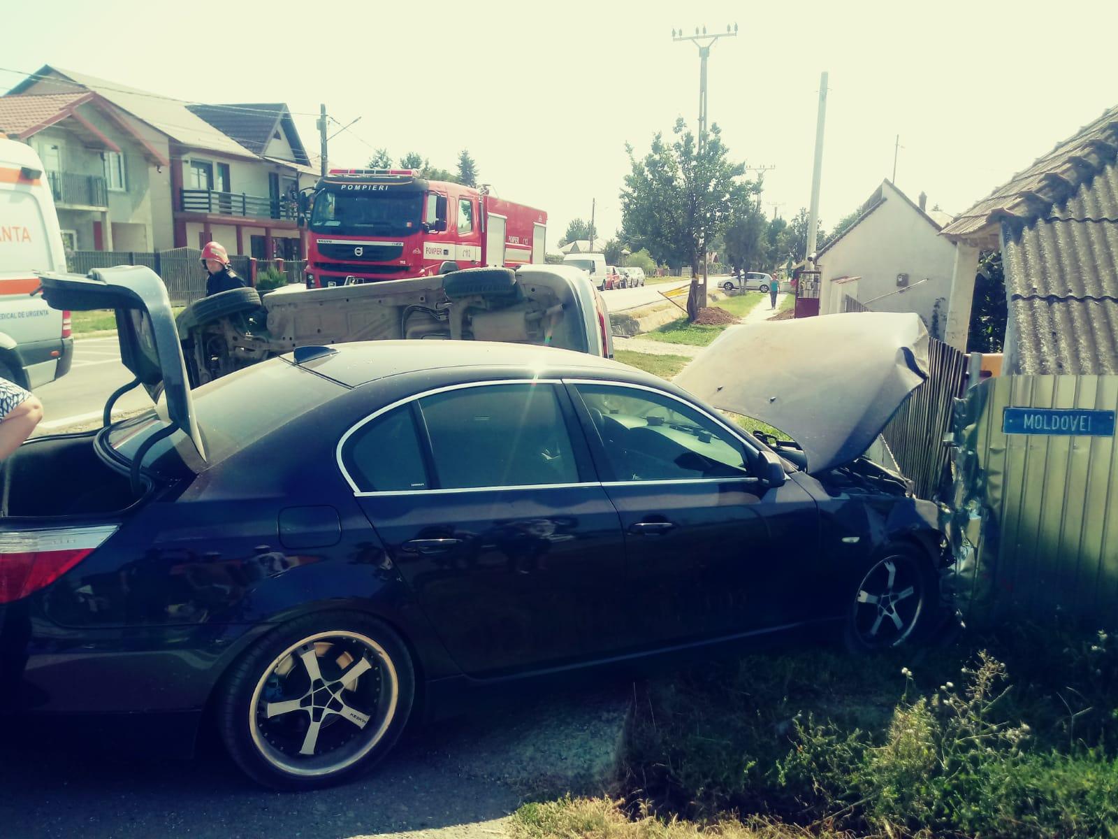Doi șoferi răniți în urma unui accident rutier petrecut la Cordun