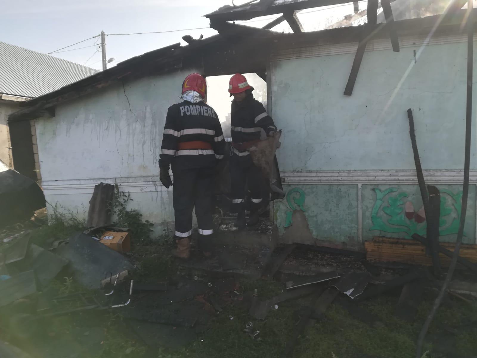 Incendiu la o gospodărie din Tămășeni