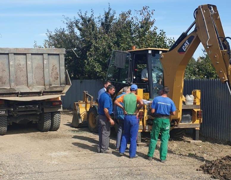 Începe asfaltarea străzilor din cartierul Petru Rareș