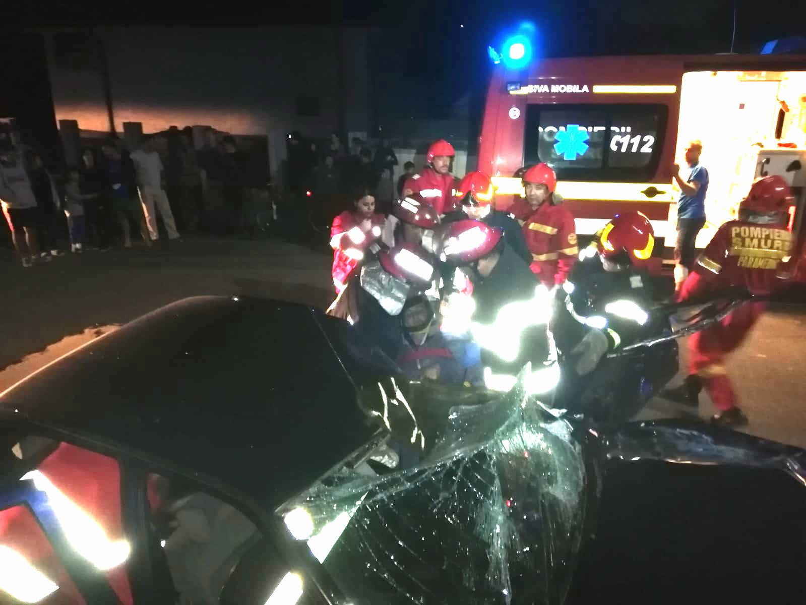 Trei victime după un accident rutier la Miron Costin. Un șofer a fost reținut, cu peste 1,40 mg/l alcool în aerul expirat