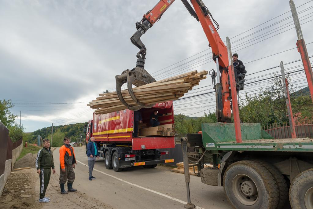 Ajutoare constând în materiale de construcții pentru familii grav afectate de inundații