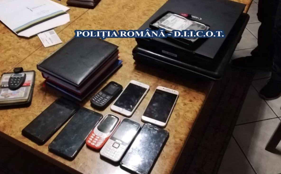 Grupare infracțională care accesa credite la bănci cu acte false, cu ramificații în Neamț
