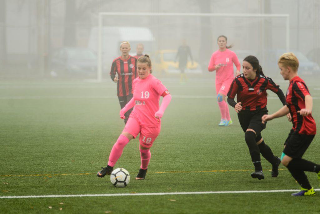 Vulpițele Galbene s-au calificat în optimile Cupei României
