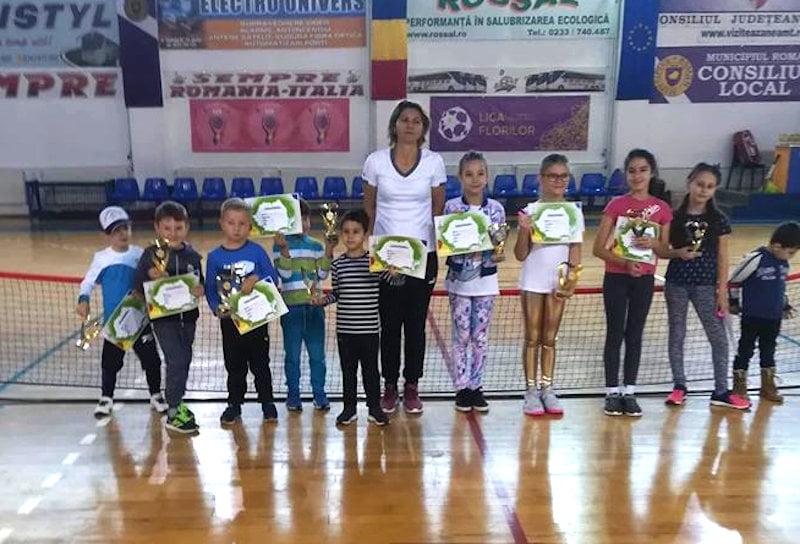 Rezultate foarte bune pentru micii tenismeni de la CSM Roman la Cupa Dentexpert