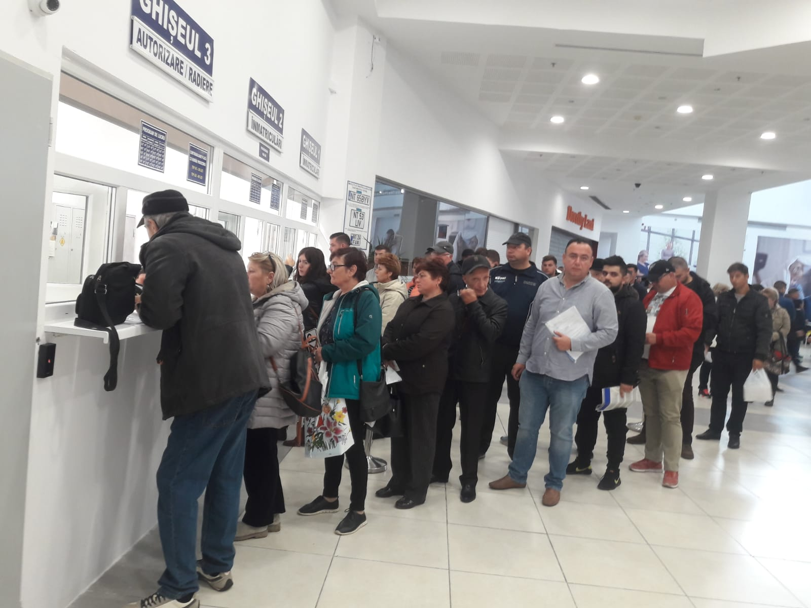 Activitate suspendată la Serviciul Permise și Înmatriculări Neamț