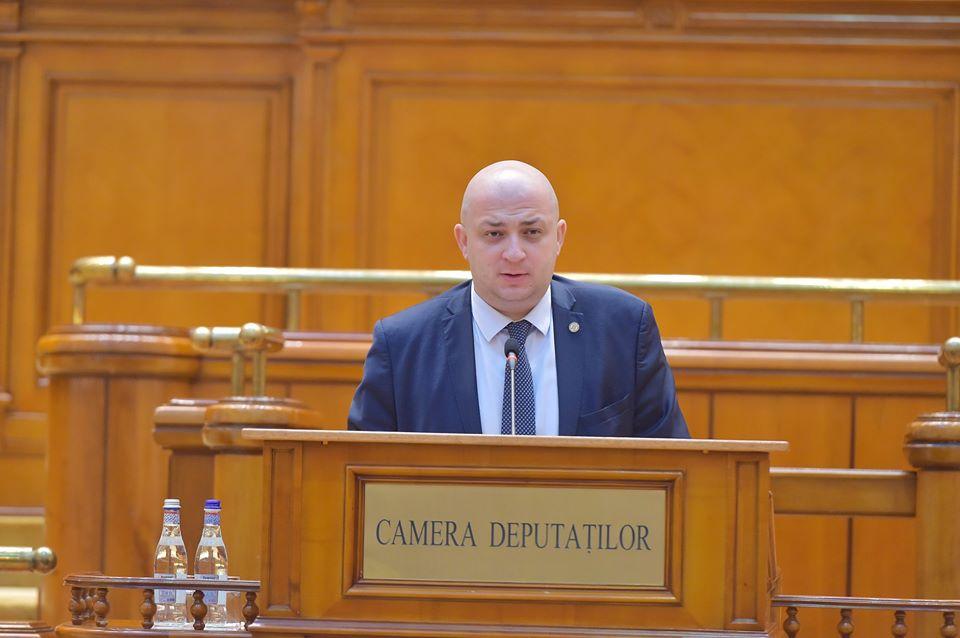 """Deputatul romașcan Silviu Vexler: """"Nu pot să accept asimilarea Președintelui României cu unii dintre cei mai odioși criminali din istorie"""""""