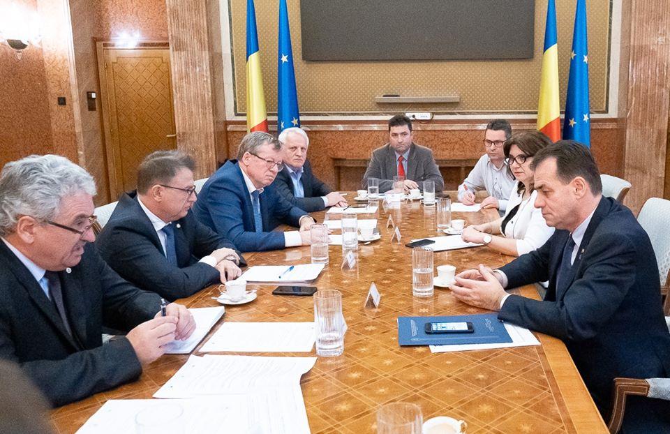 Federațiile din Educație, întâlnire cu premierul României pe tema problemelor din învățământ