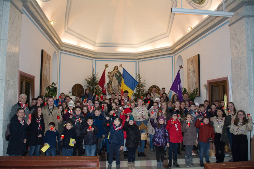 Cercetașii din Pildești au adus și în acest an în Moldova lumina păcii de la Betleem