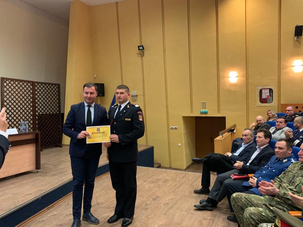 """Romașcanul Florin Asmarandei, desemnat """"Pompier de onoare"""" al județului Neamț"""