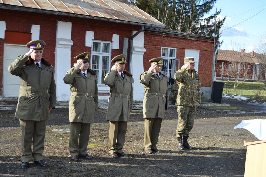 """Ceremonial militar la trecerea în rezervă a patru cadre militare, la Baza 3 Logistică """"Zargidava"""""""