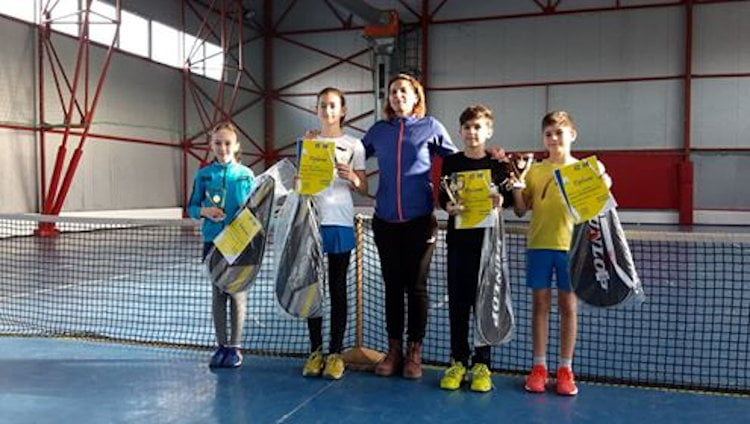 """Câștigătorii Turneului de Tenis 10 """"Cupa Dunlop"""" de la Roman"""