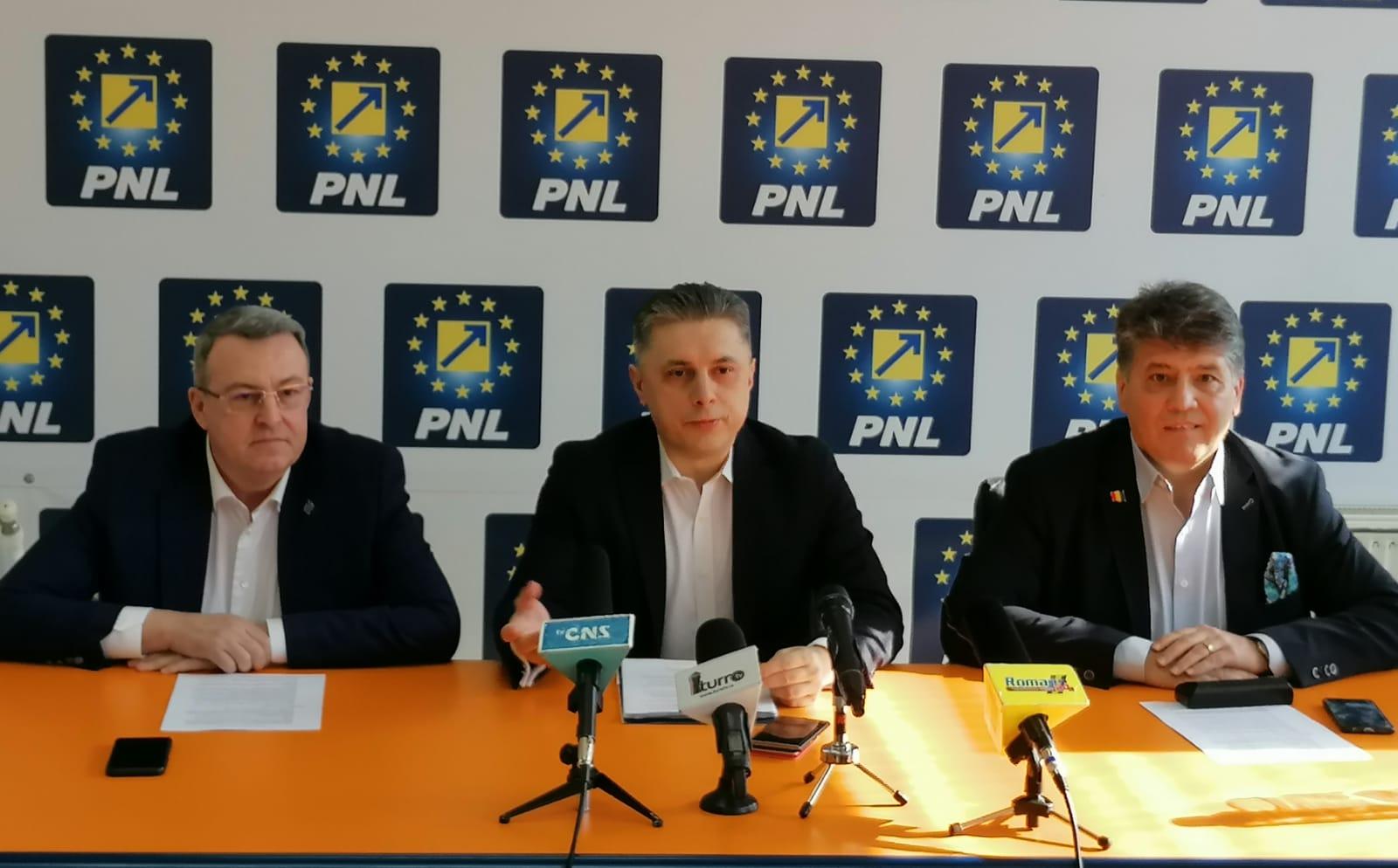 """Președintele PNL Neamț Mugur Cozmanciuc: """"PSD s-a opus alegerii primarilor în două tururi! PNL susține ideea alegerilor anticipate, pentru a ne întoarce cât mai repede la electorat!"""""""