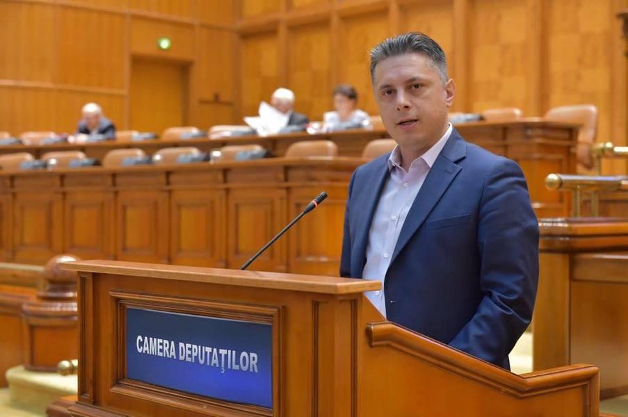 """Deputatul PNL Mugur Cozmanciuc: """"Alegerile anticipate sunt soluția pentru viitorul dezvoltării regiunii Moldovei! Majoritatea PSD blochează în Parlament măsurile cerute de majoritatea românilor!"""""""