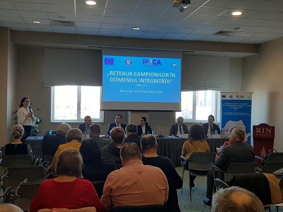 """O nouă recunoaștere pentru municipiul Roman în competiția """"Rețeaua campionilor în domeniul integrității"""""""