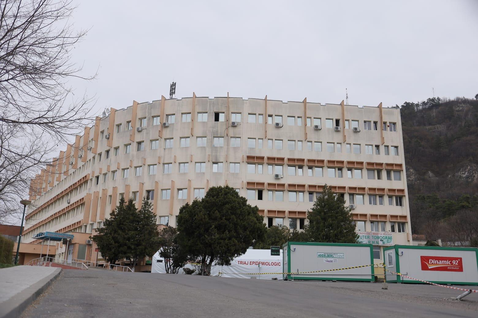 Meniu îmbunătățit pentru pacienții COVID-19 internați la Piatra Neamț