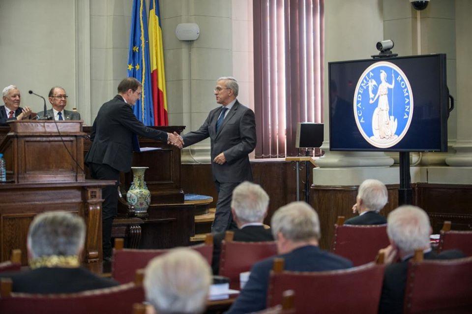 Romașcanul Andrei Dimitriu, premiat de Academia Română